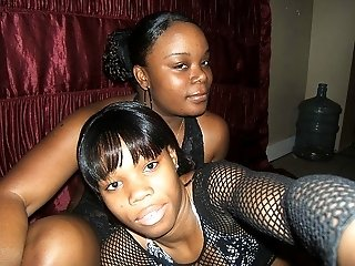 Chubby and slim ebony chicks licking each others tongue